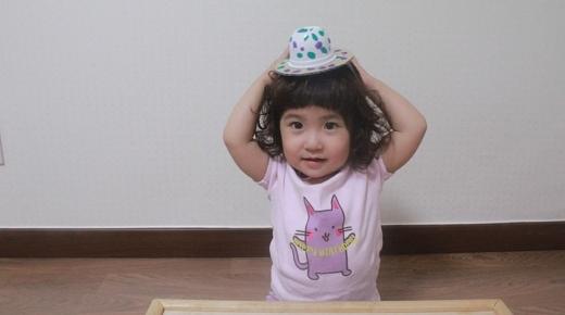 멋쟁이 모자를 써요